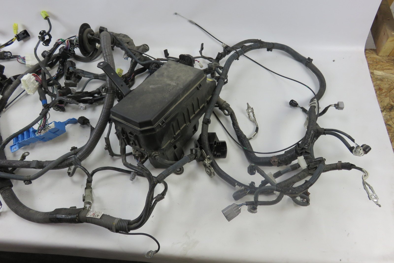 hight resolution of 12 lexus gx460 wiring harness w fuse box engine room 82111