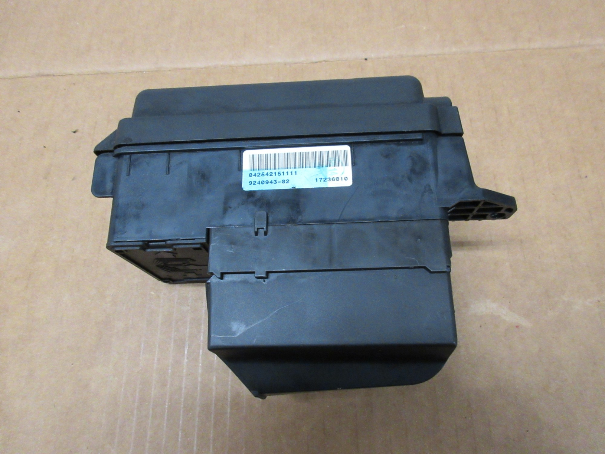 hight resolution of  2012 mini cooper s r56 1027 engine bay fuse relay junction box 9240943