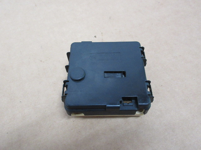 2006 bmw z4 m roadster e85 #1023 trunk battery fuse box terminal