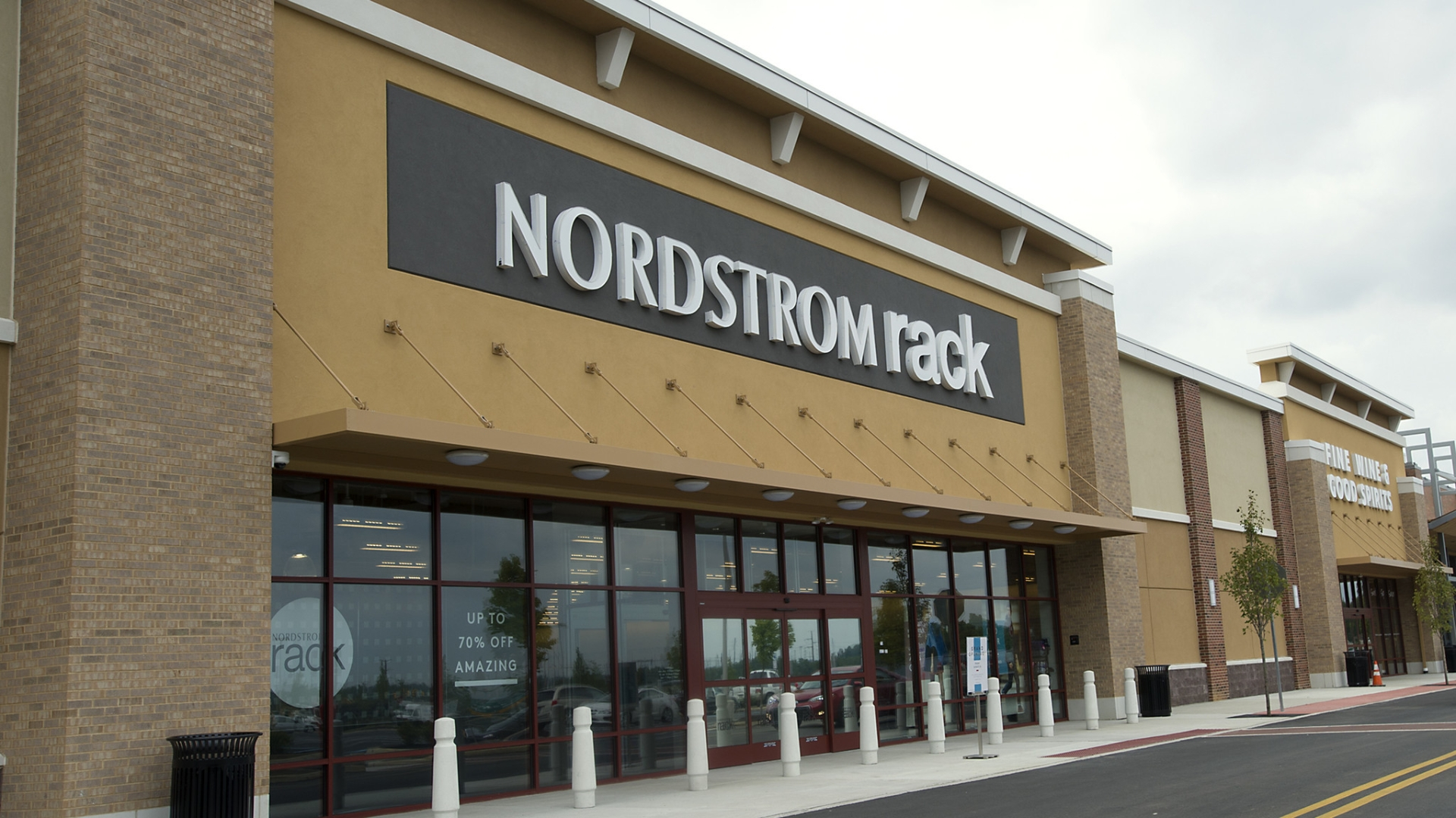 look good for less at nordstrom rack