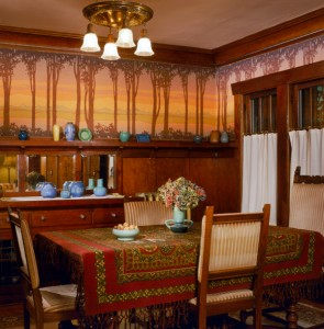 A digitally printed frieze was commissioned from Bradbury & Bradbury for a Seattle dining room. (Photo: William Wright)