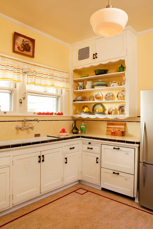 Friendly Kitchen in a 1912 Foursquare OldHouse Online