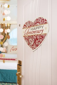 Happy Anniversary Room Dcor Deluxe Package