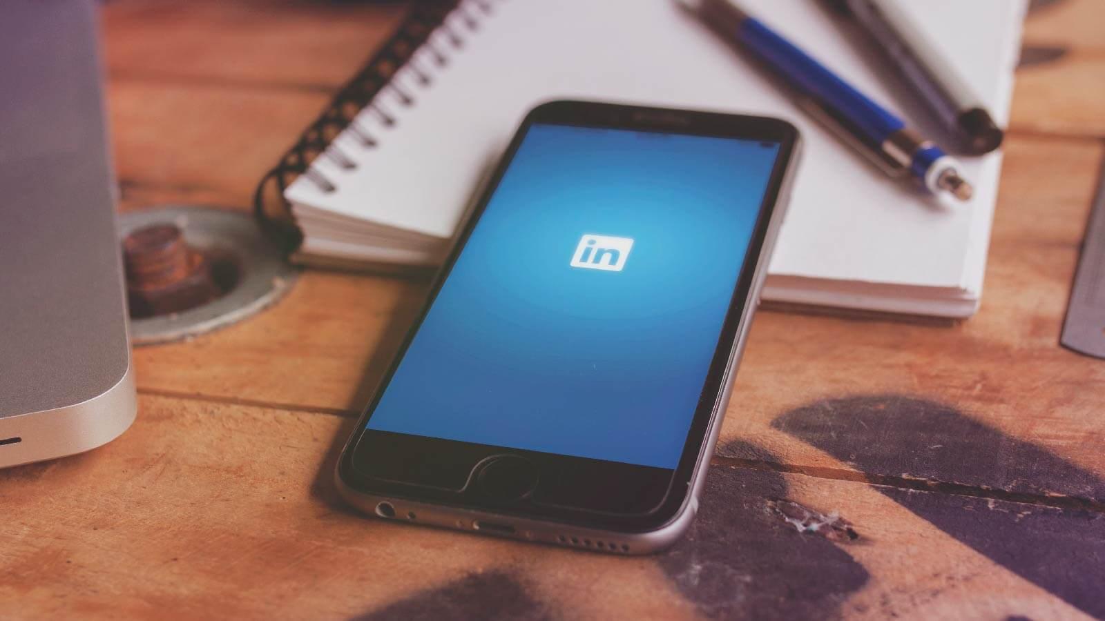 How To Create A Custom LinkedIn URL In 3 Easy Steps