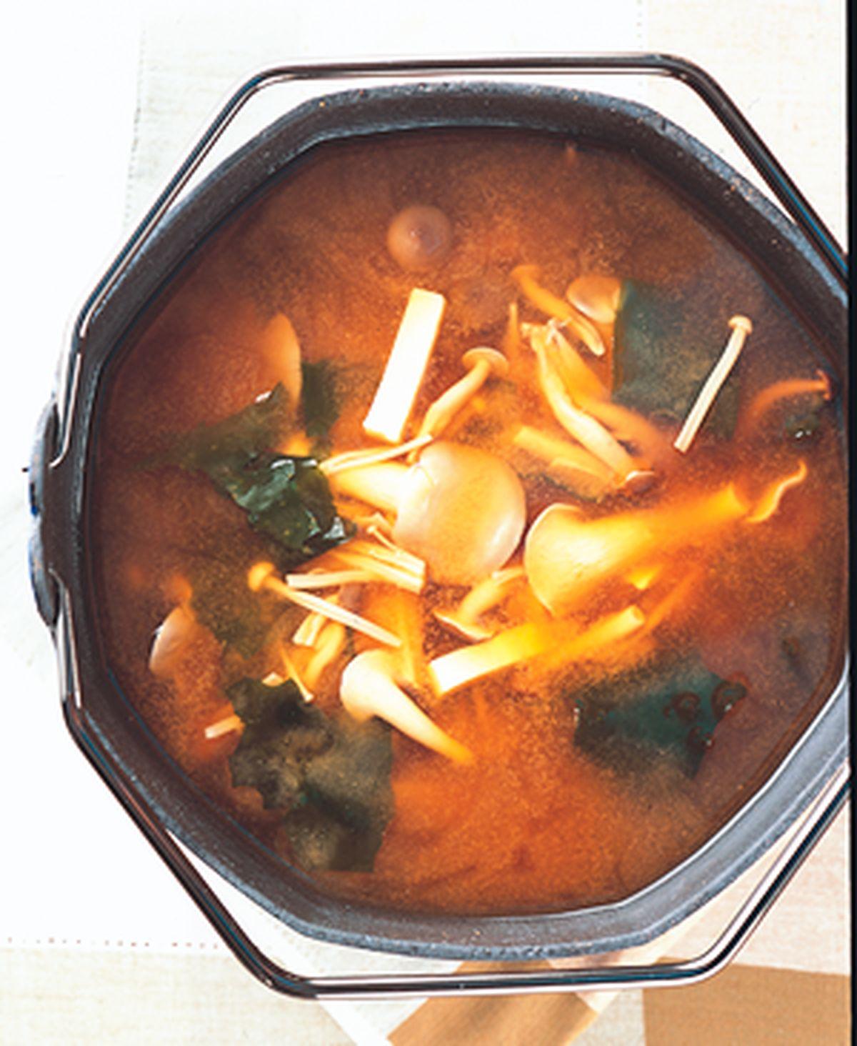 【食譜】蕈菇味噌湯:www.ytower.com.tw