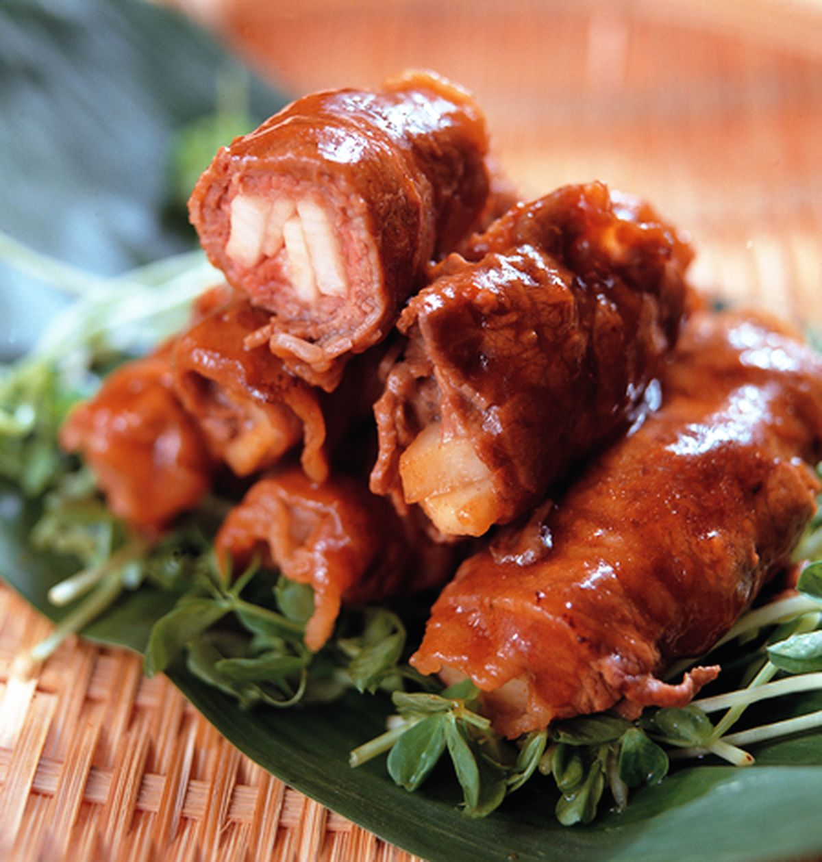 【食譜】醬燒牛肉捲:www.ytower.com.tw