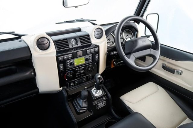 Land Rover Defender Works V8 debut 10