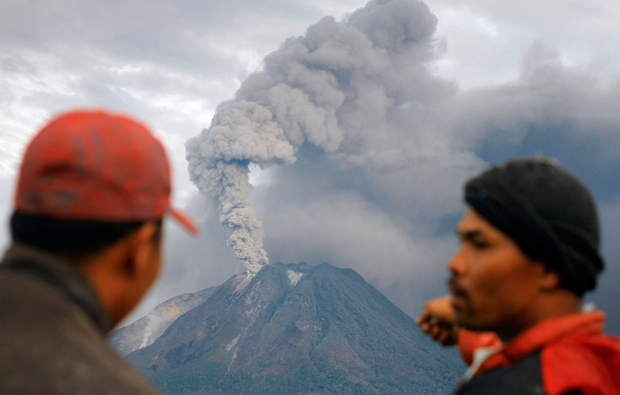 30 000 Evacuated As Volcano Erupts Australian Geographic