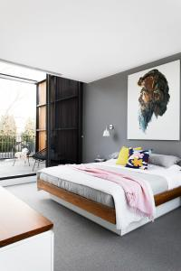 How To Choose A Colour For Your Feature Wall | HOMES