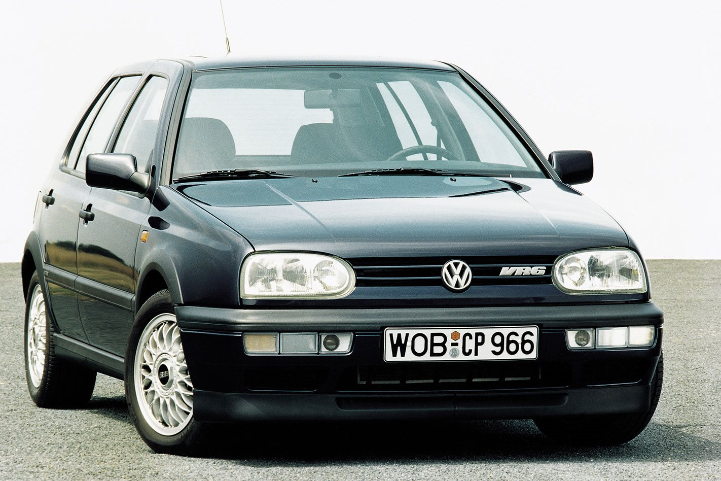 hight resolution of the car in question is called the golf vr6 and the main mechanical difference between it and the r32 is the vr6 s lack of all wheel drive