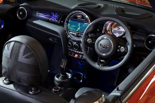 small resolution of mini has resisted the trend to introduce neck warmers that draught hot air from the seatback which meant our roof down drive of the cooper s cabriolet in