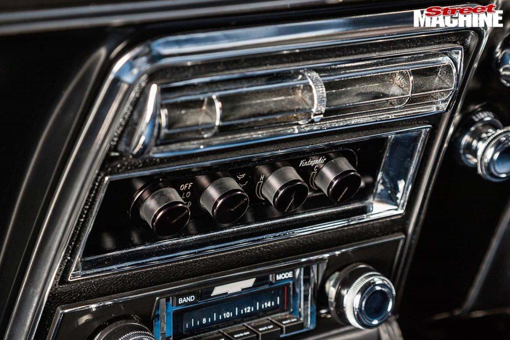 medium resolution of chev camaro console