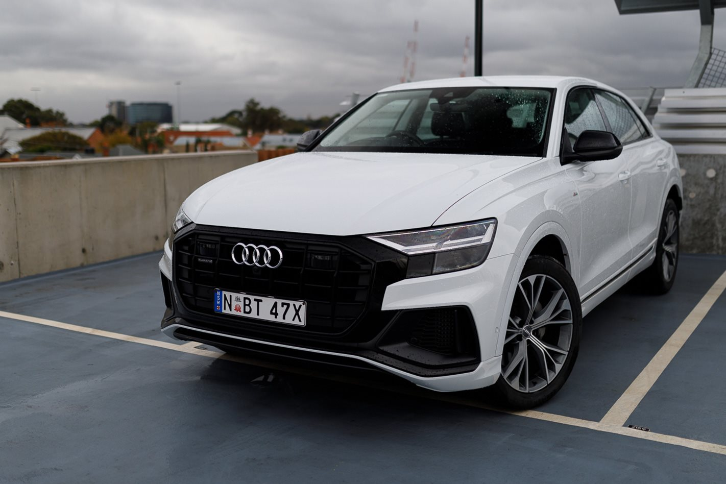 hight resolution of 2019 audi q8