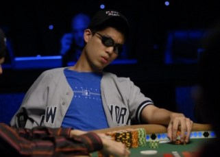 Douglas at the 2006 Main Event final table