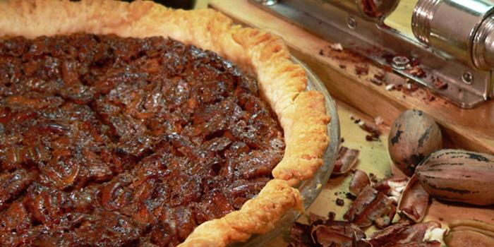 Chocolate Pecan Pie With Molasses