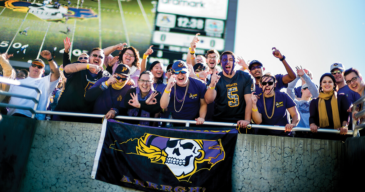 Peanuts Fall Wallpaper East Carolina University Fans Are Pirates To The Core