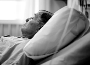 Grande-Bretagne : un Polonais déshydraté et affamé à mort par l'hôpital qui le gardait