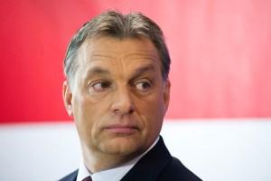 Viktor Orbán en réponse au geste de soutien à Black Lives Matter : «Les Hongrois ne plient le genou que devant Dieu»