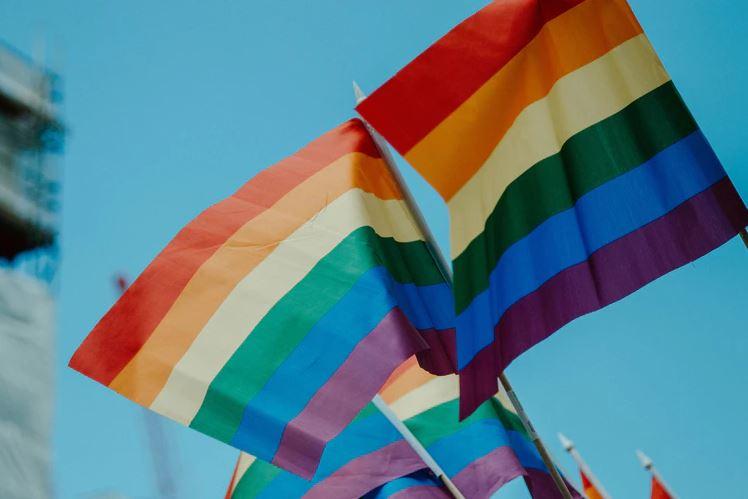 Grève de la quête dominicale : Des catholiques canadiens s'opposent au programme LGBT de leur diocèse