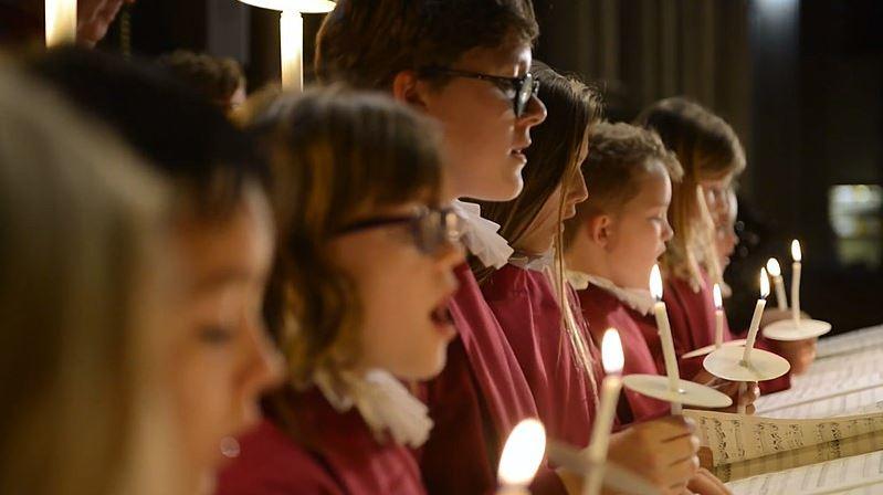 La Commission européenne veut limiter les messes publiques à Noël et y interdire le chant : nouvelle folie COVID-19!