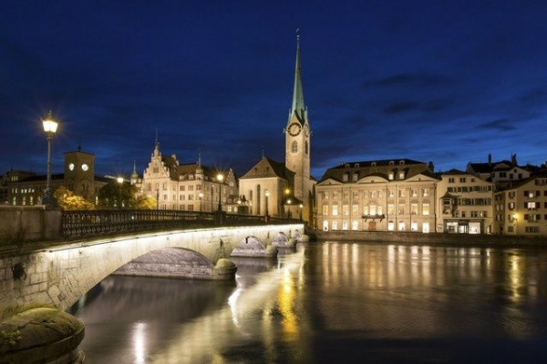 9-Day Central and Eastern Europe Tour: Frankfurt to Amsterdam