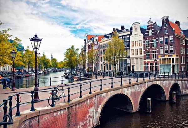 7-Day Western Europe Tour from Amsterdam: Belgium   France   Germany   Holland
