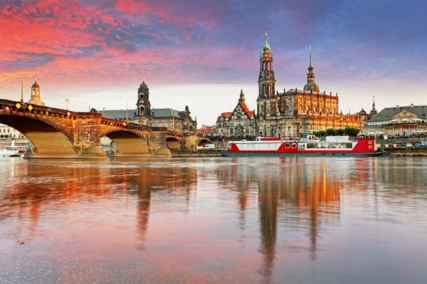 Dresden Day Trip from Prague with Zwinger Palace and Gallery