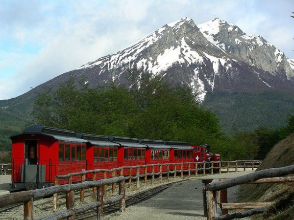Tierra Del Fuego National Park Tour with Optional End of the World Train Ride