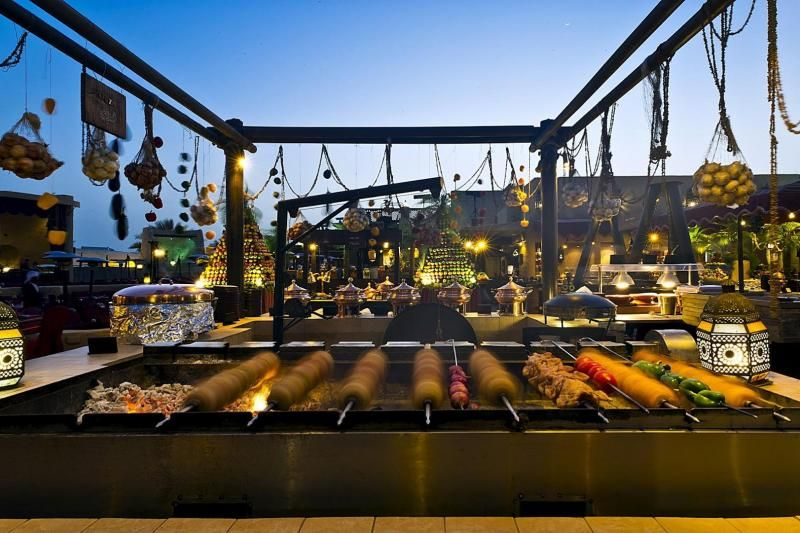 Dining Experience at Al Hadheera Bab Al Shams W/ Transfers