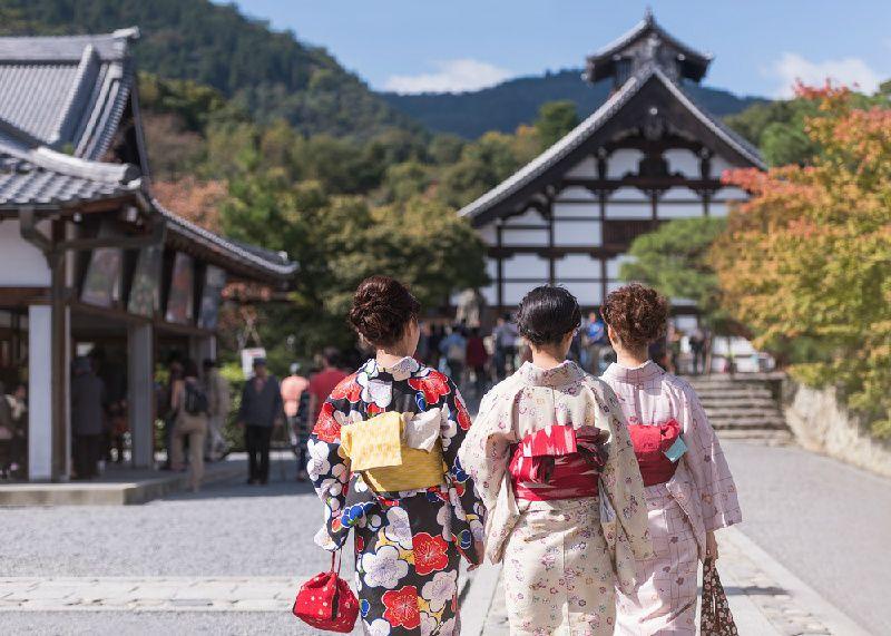 13-Day Central & Northern Japan Tour: Osaka - Kyoto - Tokyo - Hokkaido