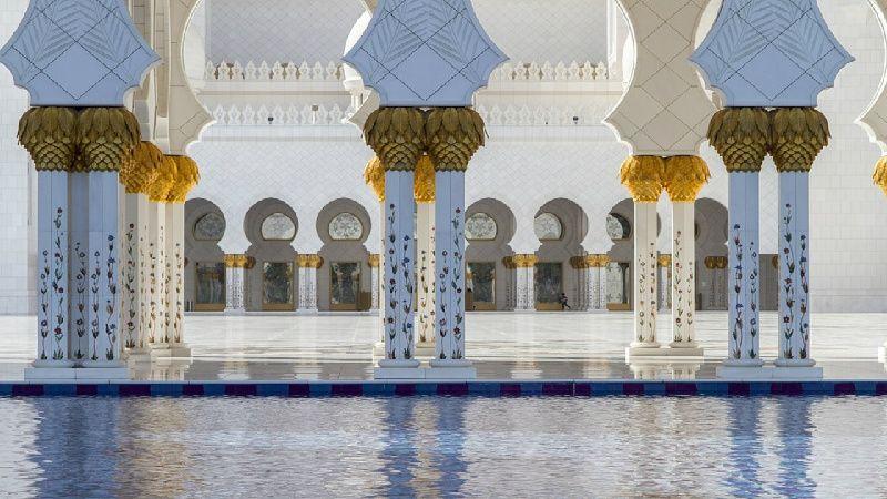 Sheikh Zayed Mosque Tour from Dubai