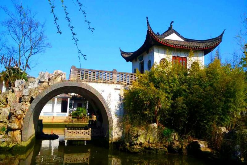 Shanghai Suburb Water Village Half Day Tour: Zhu Jia Jiao Water Village and Boat Ride