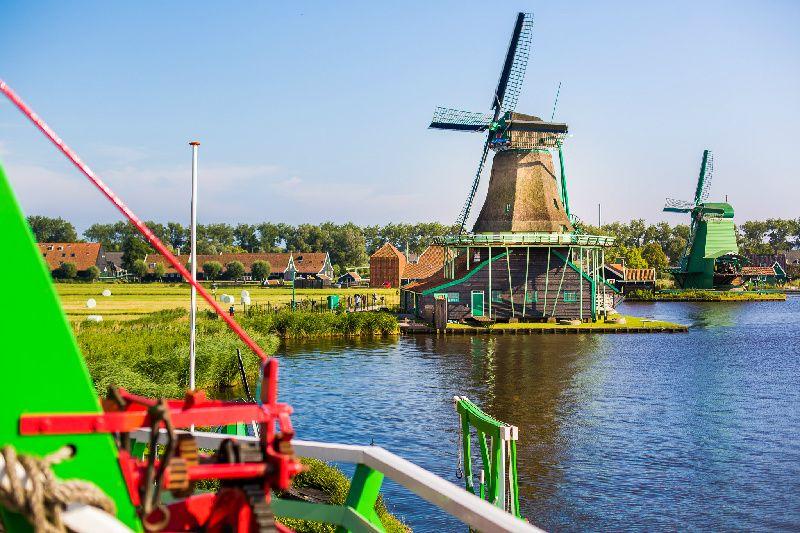 Amsterdam Sightseeing + Volendam, Marken, and Windmills Tour + Amsterdam Canal Cruise