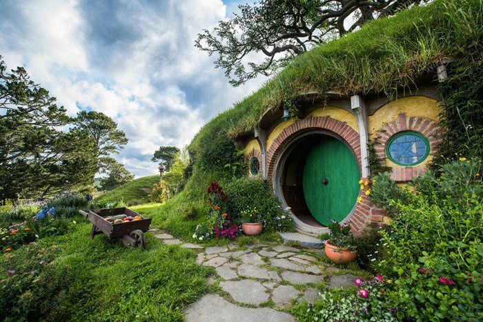 1-Day Hobbiton and Waitomo Caves Tour from Auckland