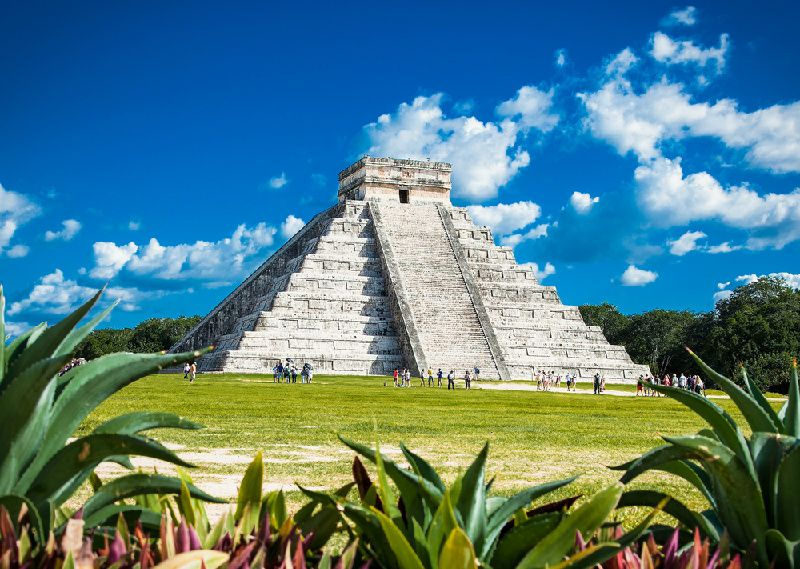 1-Day Chichen Itza Deluxe Tour from Cancun or Riviera Maya