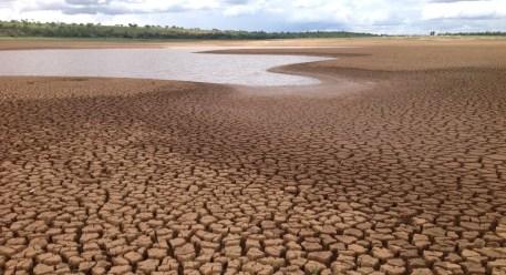 Resultado de imagem para sertanejos temem interrupção no fornecimento de água