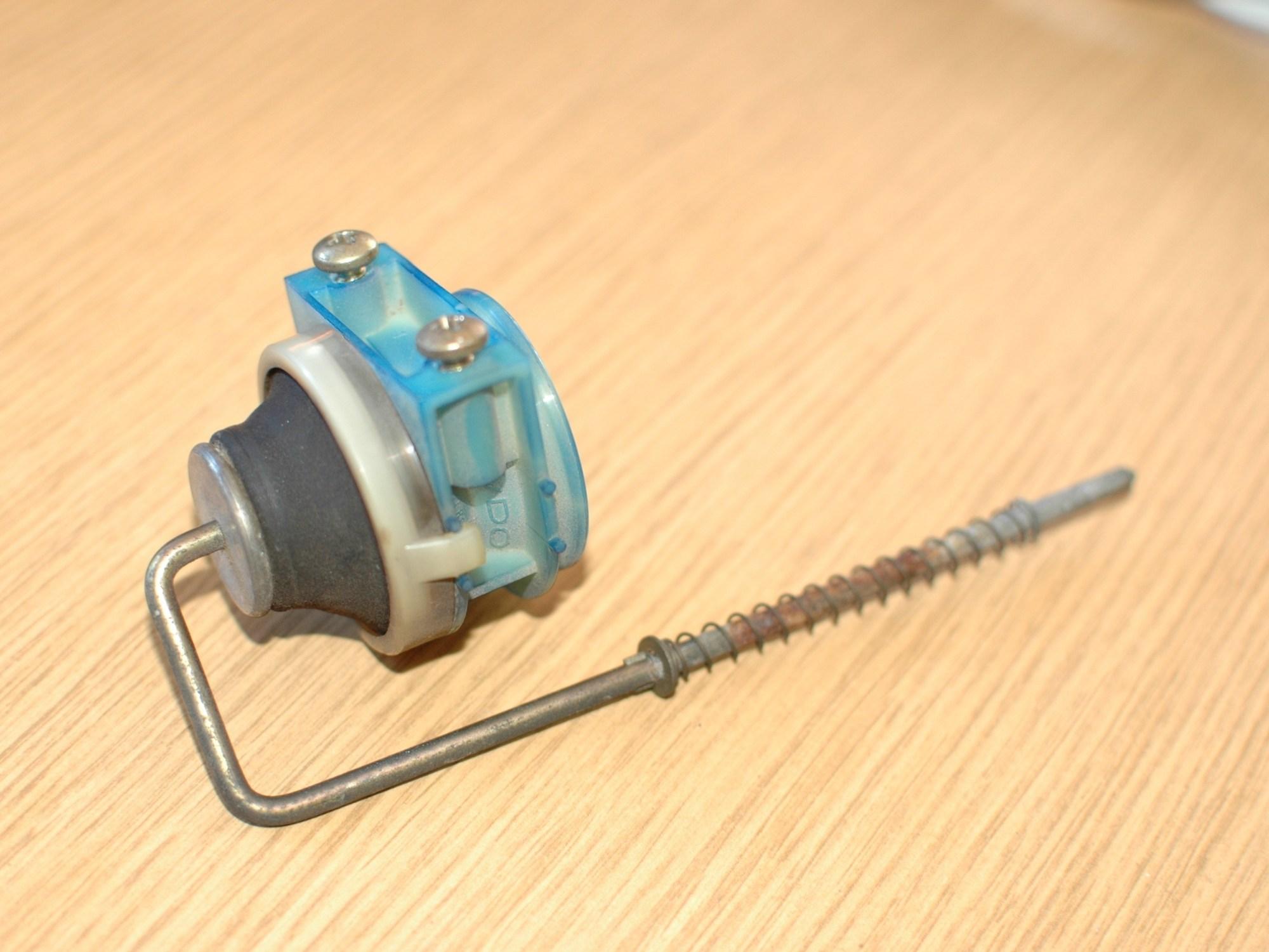 hight resolution of repairing mercedes w123 fuel door lock actuator