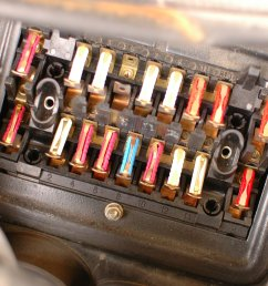 how to check mercedes w123 fuses [ 2664 x 1998 Pixel ]