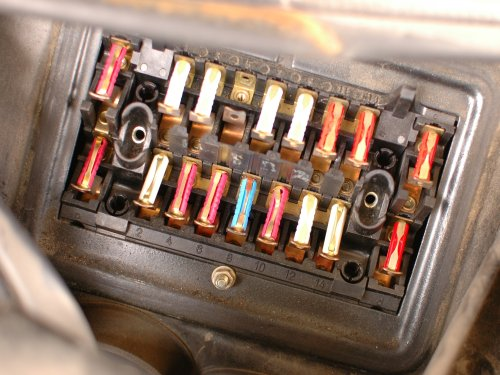 small resolution of how to check mercedes w123 fuses