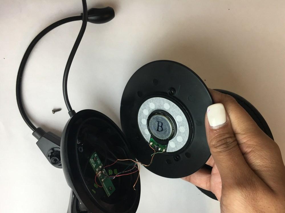 medium resolution of microphone
