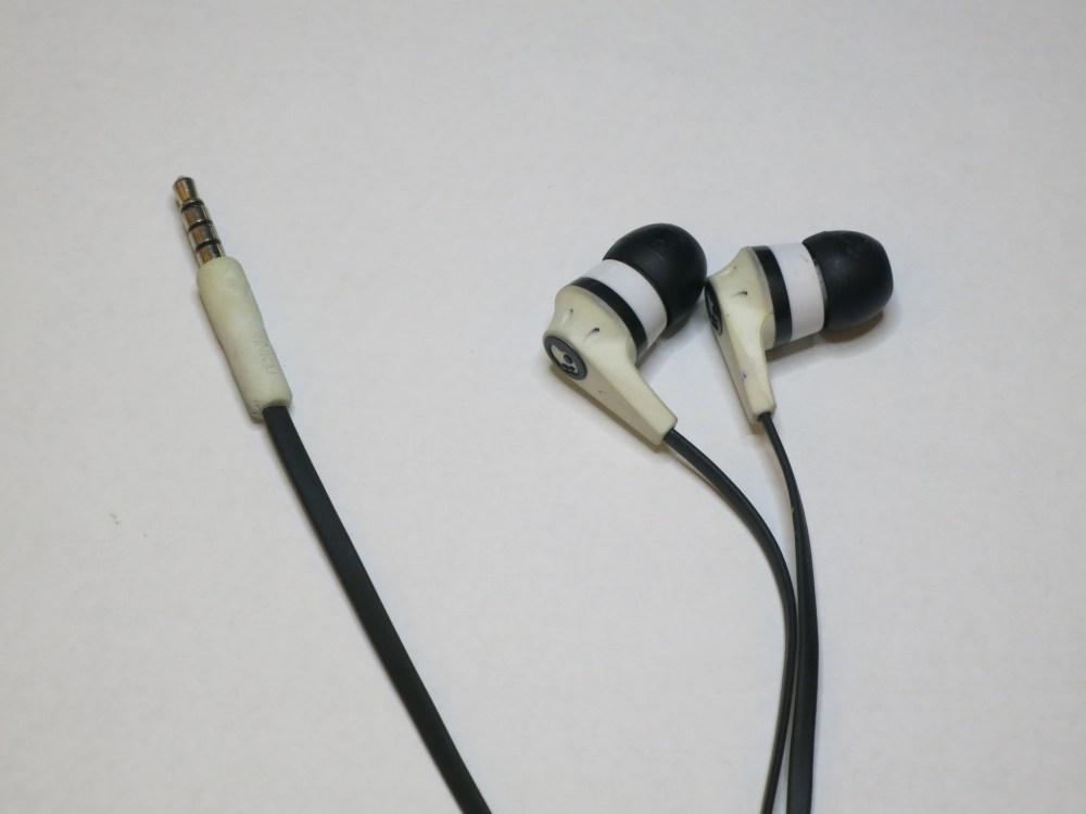 medium resolution of skullcandy ink d 2 audio jack replacement ifixit repair guide headphone plug wiring skullcandy headphone jack wiring diagram