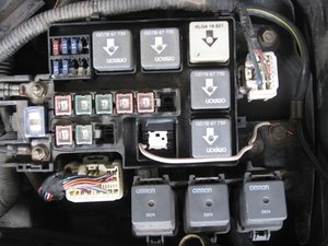 wiring diagram for fuel pump relay 93 mustang radio solved: where is the relay? - 1998-2002 mazda 626 ifixit