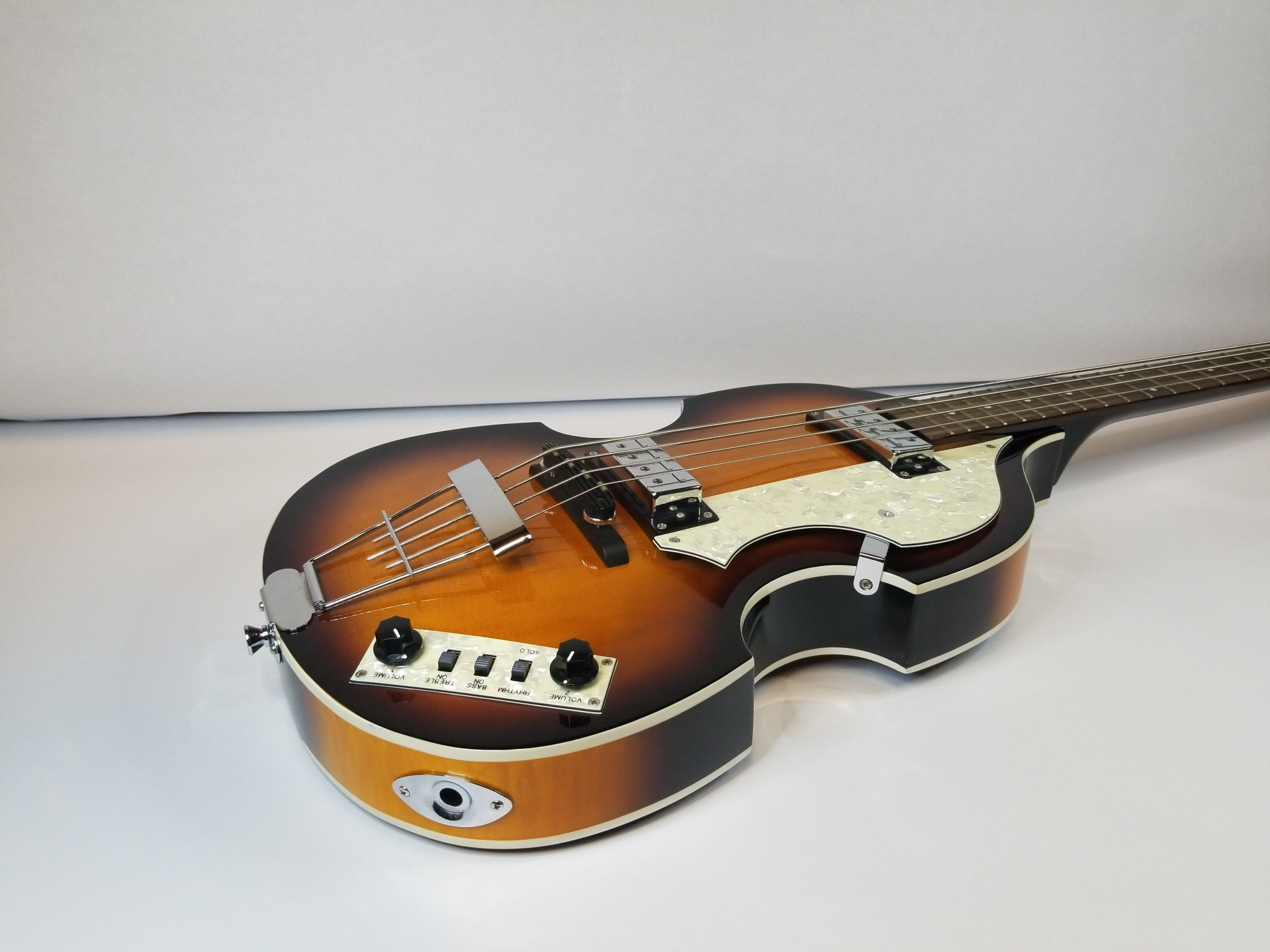 hight resolution of replacing the audio jack on a hofner violin bass