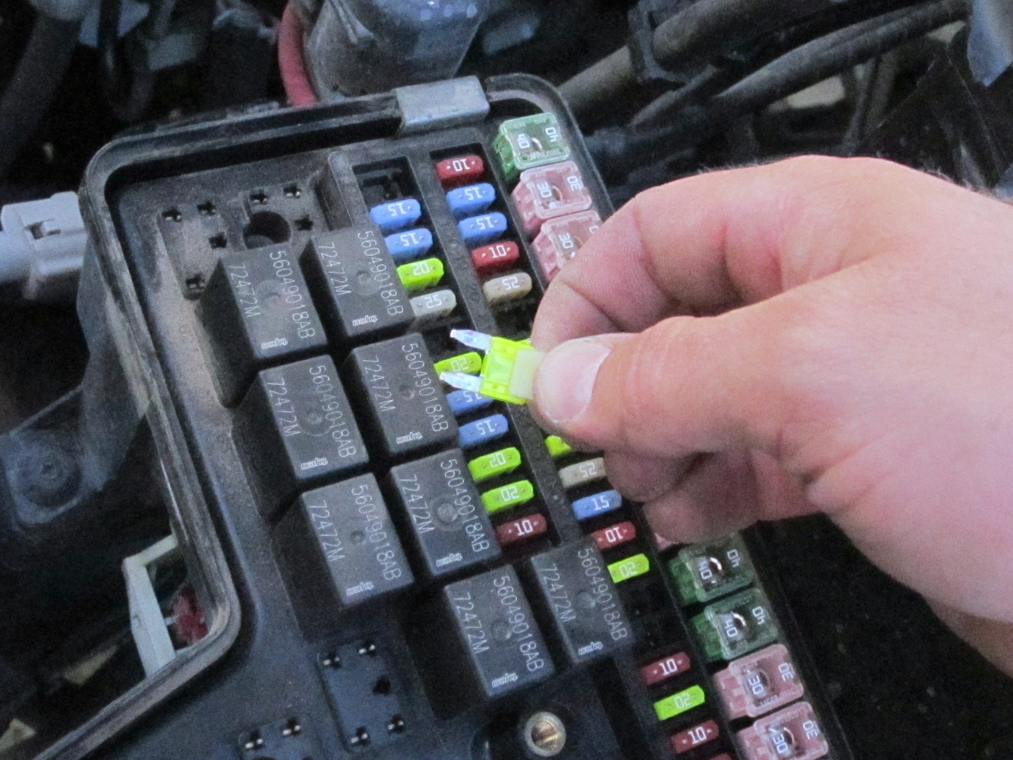 2001 dodge trailer wiring diagram orion bms 2002-2008 ram 1500 fuse replacement (2002, 2003, 2004, 2005, 2006, 2007, 2008) - ifixit ...