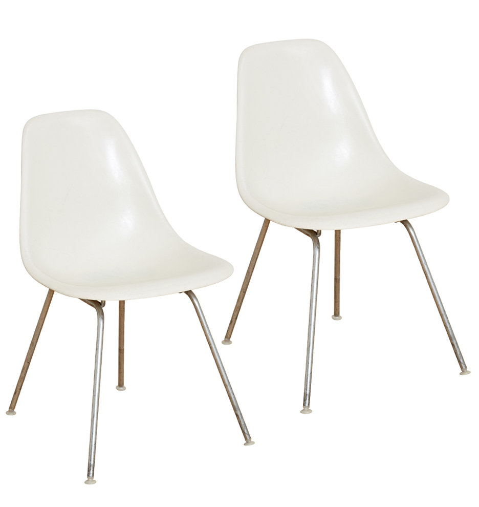Eanes Chair Pair Of White Eames Fiberglass Shell Chairs By Herman Miller