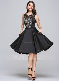 A-Line/Princess Scoop Neck Knee-Length Satin Homecoming ...