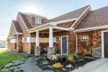 River - Maine Home Design