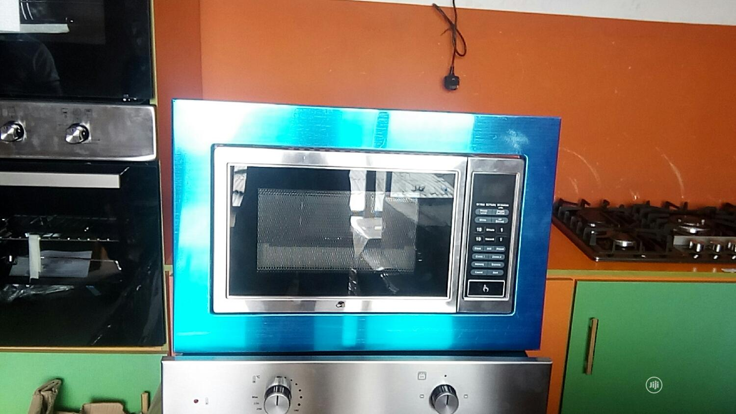 bosch microwave oven built in 25lits with gril with warraty