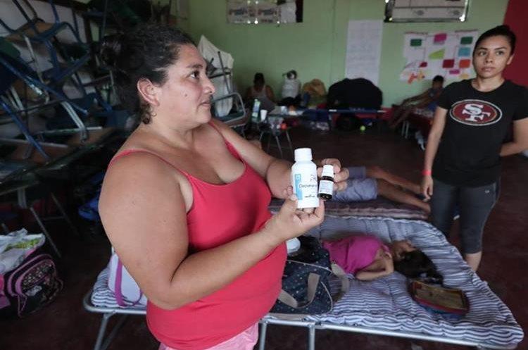 Una de las mayores necesidades en los albergues han sido las medicinas. (Foto Prensa Libre: Hemeroteca PL)
