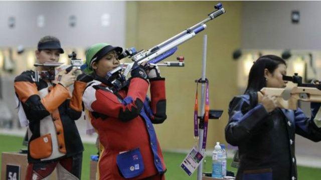 La tiradora de Malasya Nur Suryani Taini captó la atención del público en las Olimpiadas de Londres cuando compitió embarazada. (AP)